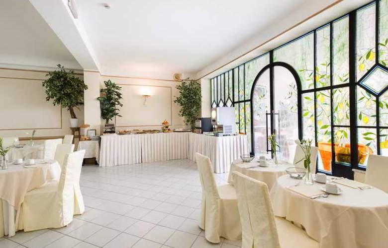 Goya - Restaurant - 21