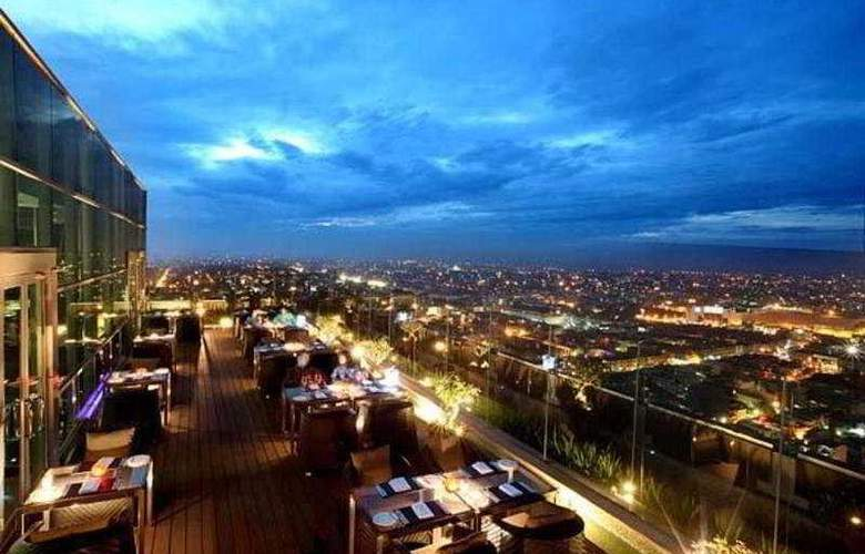 Grand Swiss-Belhotel Medan - Terrace - 9