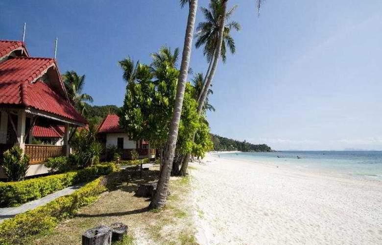 Long Bay Resort - Beach - 10