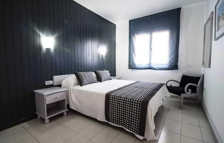 Apartamentos Turísticos Royal Life - Room - 22