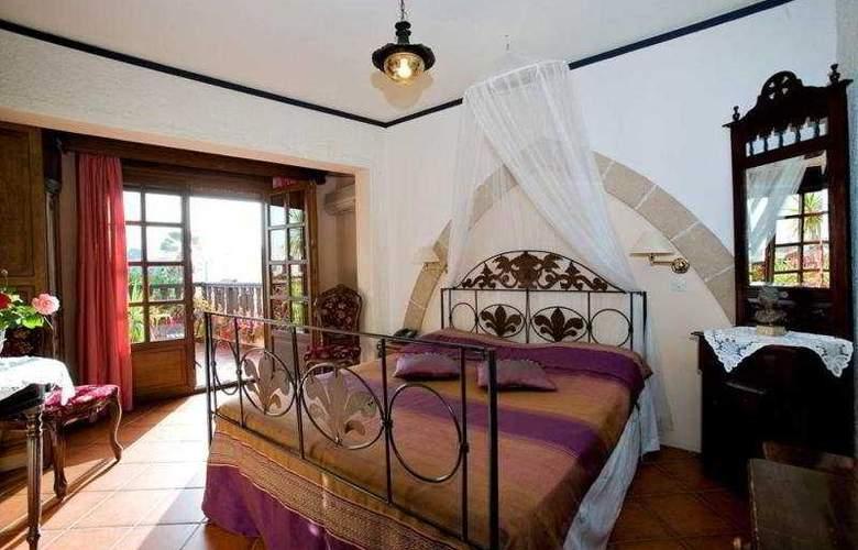Saint Nikolis - Room - 8