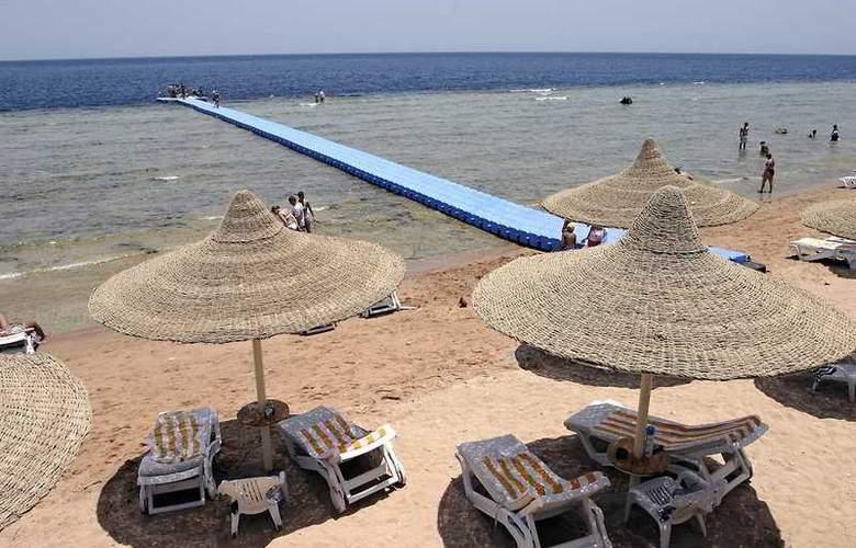 Xperience Kiroseiz Resort & Aqua Park - Beach - 5