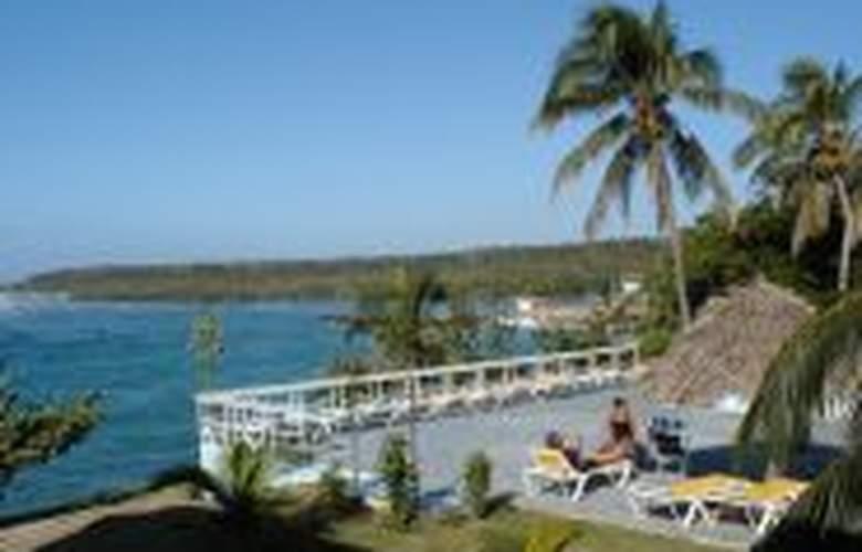 Gran Caribe Faro Luna - Terrace - 2