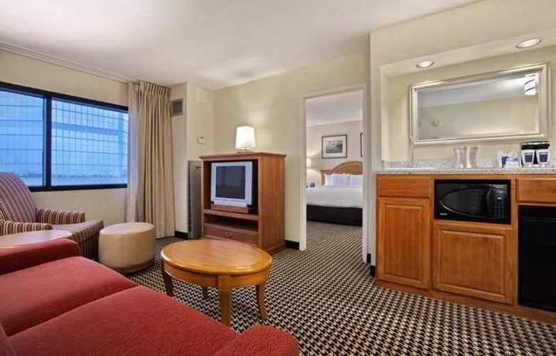 Hilton Suites Chicago/Oak Brook - Hotel - 4