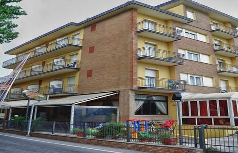 Crosal - Hotel - 0
