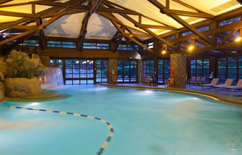Disney's Sequoia Lodge - Pool - 8