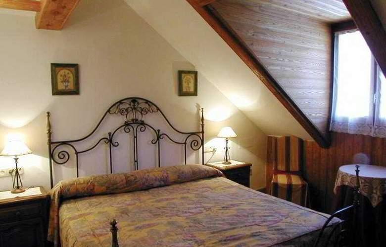 Ciria - Room - 1