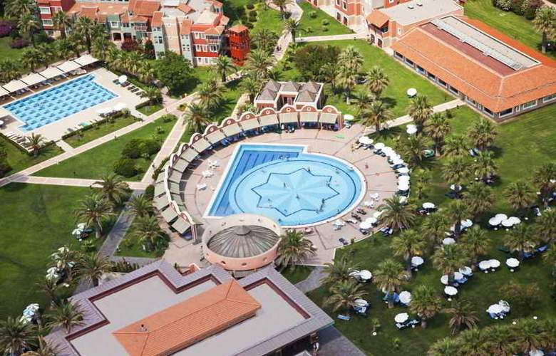 Mega Saray - Pool - 9