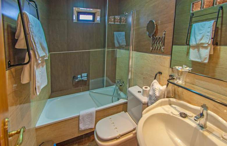 Hotel Restaurante La Casona de Jovellanos - Room - 8
