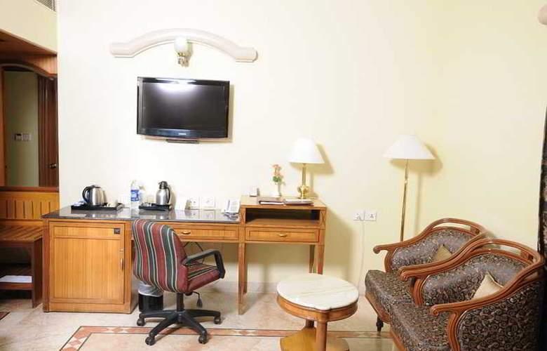Raj Park - Room - 10