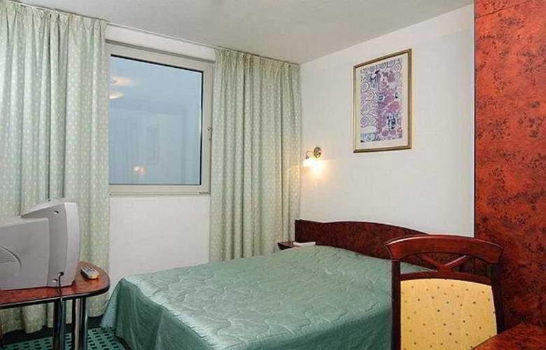 Europa Hotels & Congress Center - Superior - Room - 8