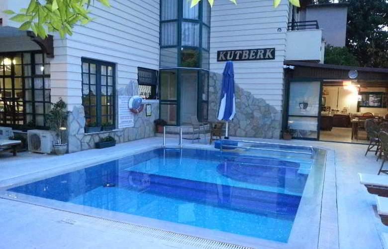 Kutberk Boutiqe - Pool - 14
