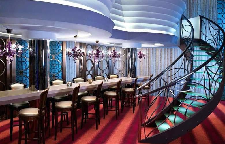Sofitel Hotel Mumbai - Bar - 30