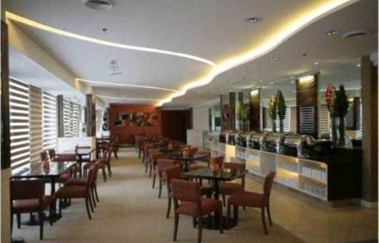 St.Giles - Restaurant - 9