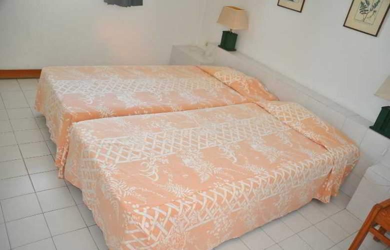 Almar - Room - 12