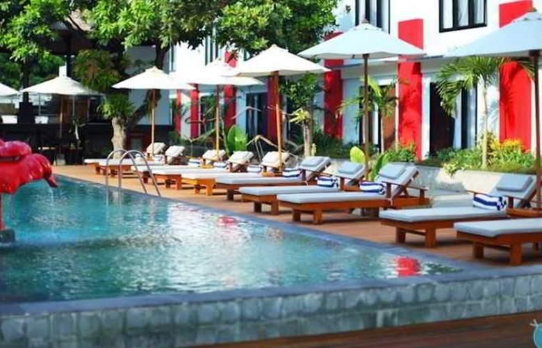 Odua Ozz Hotel Kuta - Pool - 8