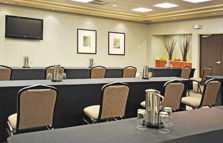 Holiday Inn Express & Suites Vaughan - Hotel - 17