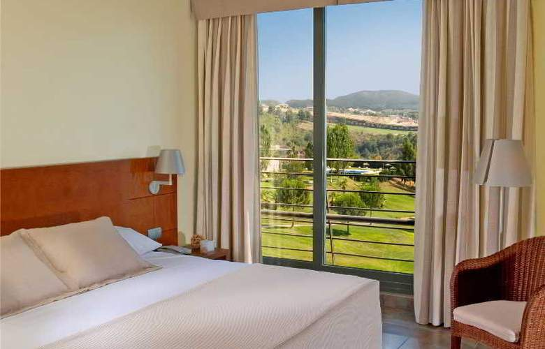 Barcelona Golf Resort & Spa - Room - 3