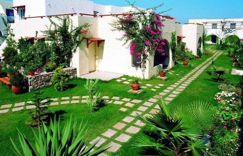Gaia Village - Hotel - 0