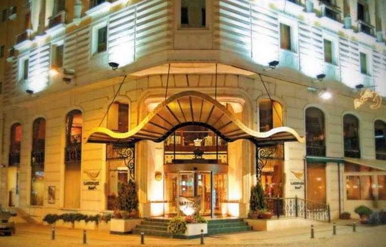 Lares Park Hotel - Hotel - 0