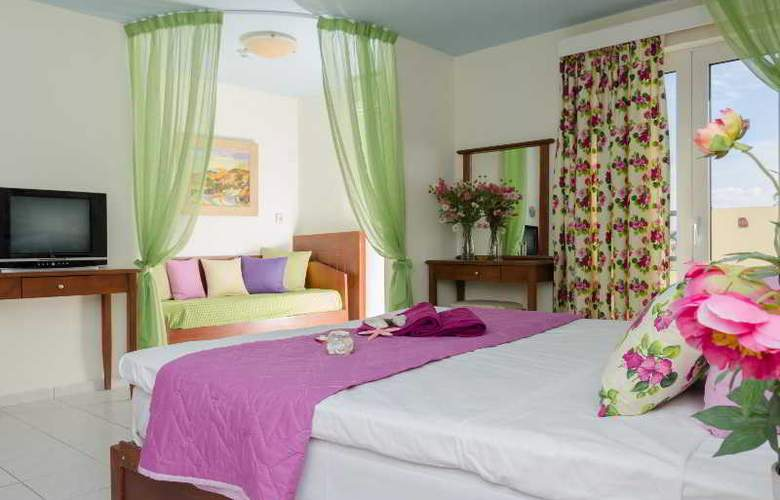 Philoxenia Hotel and Apartments - Room - 9