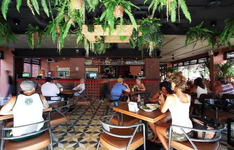 Rambuttri Village Inn & Plaza - Restaurant - 19