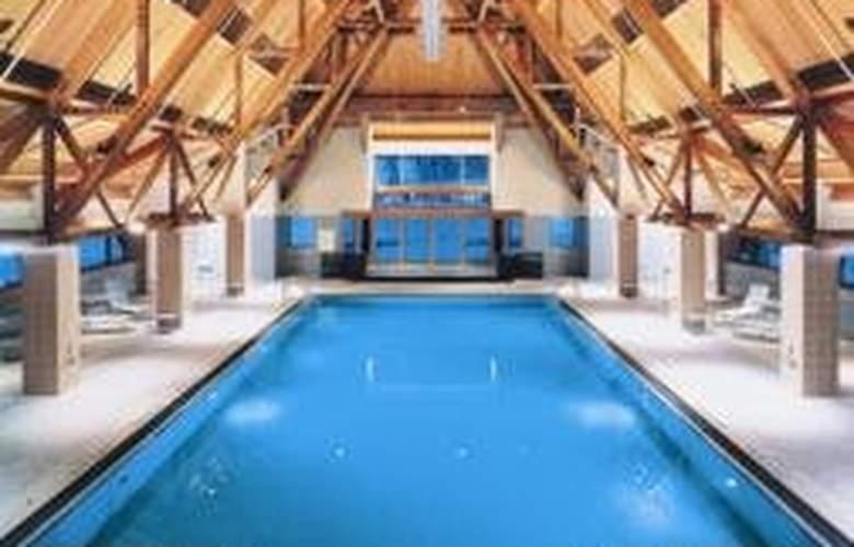 Alyeska Resort - Pool - 3