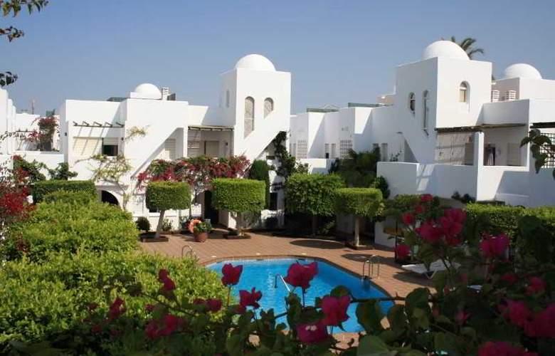Apartamentos Torrelaguna - Pool - 5
