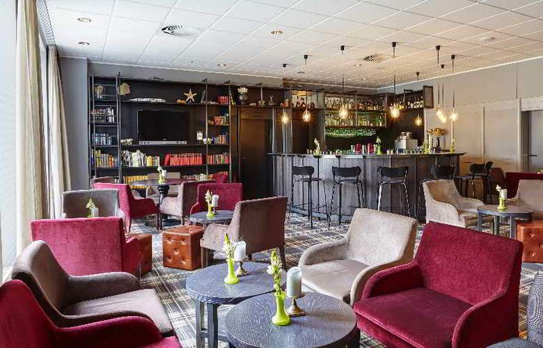 Holiday Inn Luebeck - Bar - 11