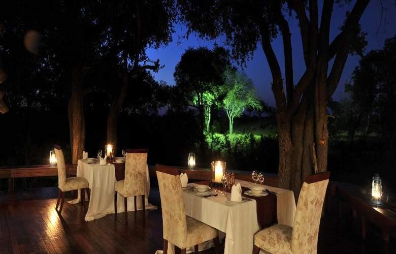 Imbali Safari Lodge - Restaurant - 18