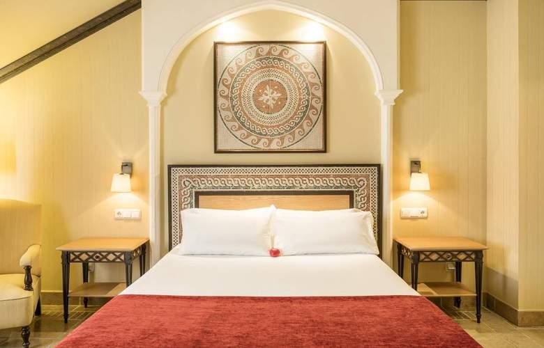Ilunion Mérida Palace - Room - 15