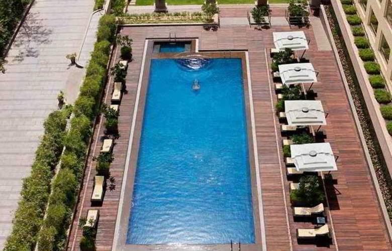 Courtyard By Marriott Mumbai - Pool - 13