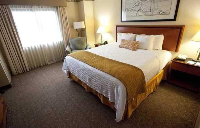 Embassy Suites Louisville - Hotel - 1
