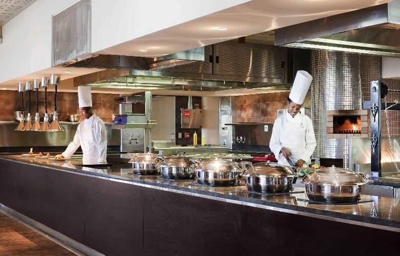 Hilton Windhoek - Restaurant - 12