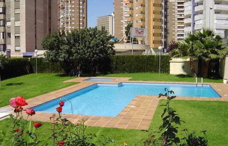 Torre Ipanema Apartamentos - Pool - 3