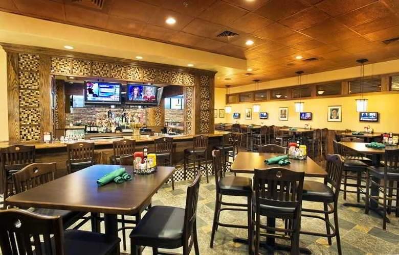 Holiday Inn Dulles International Airport - Restaurant - 3