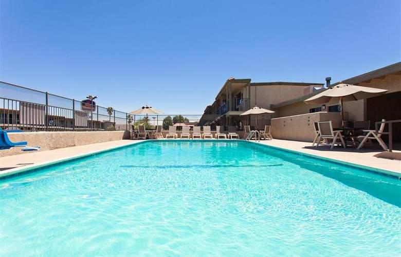 Best Western Desert Villa Inn - Pool - 28