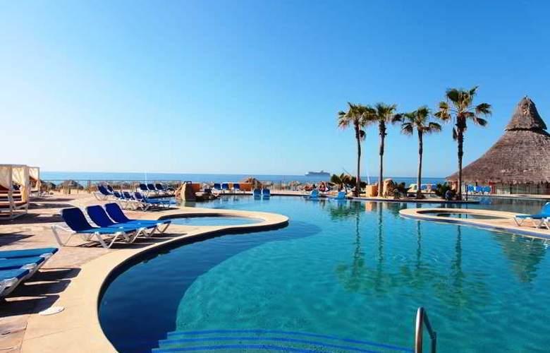 Finisterra - Pool - 16