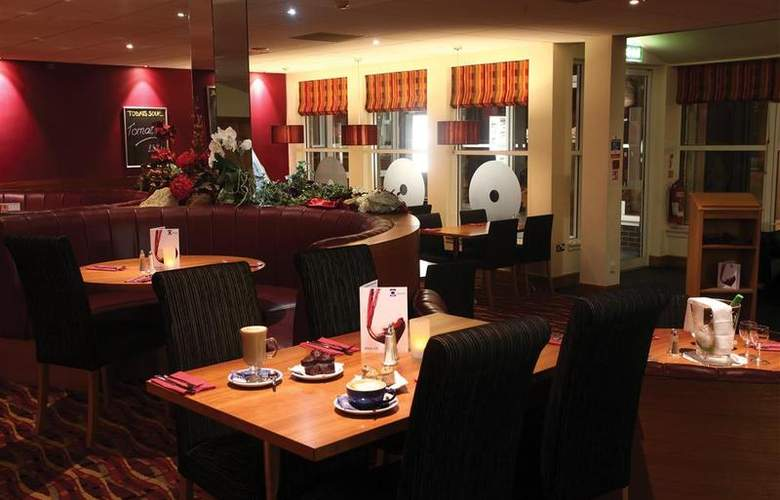 Best Western Kings Manor Hotel - Restaurant - 237