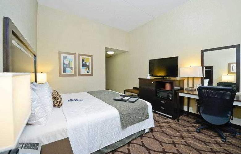 Best Western Plus Travel Hotel Toronto Airport - Hotel - 12