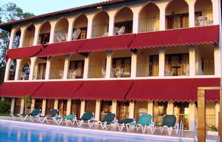 Le Mirage Resort - Hotel - 2