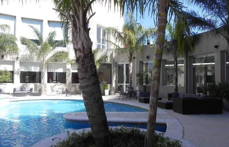 Quorum Cordoba Hotel: Golf, Tenis & Spa - Pool - 18