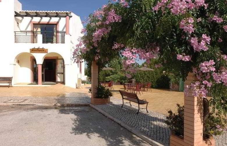 Colina Village - Hotel - 0
