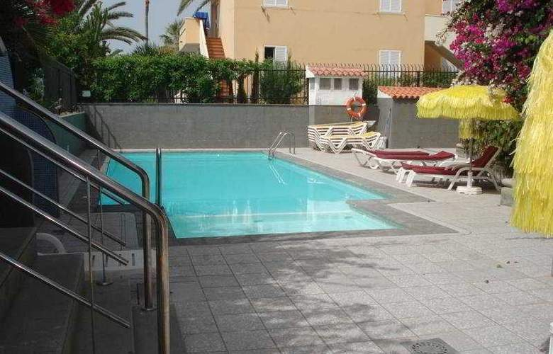Casablanca - Pool - 5