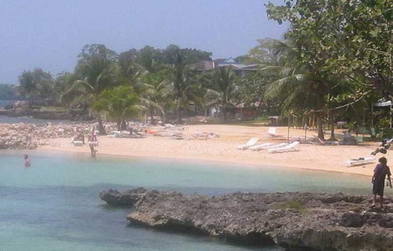 Point Village - Beach - 8
