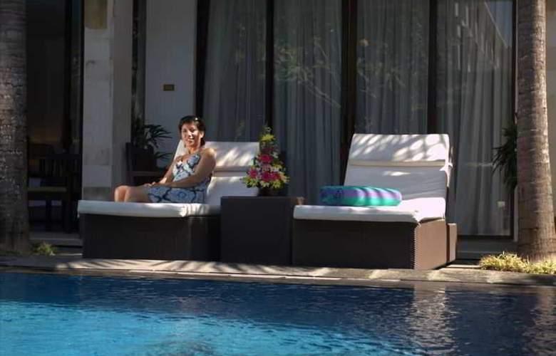 Puri Maharani Boutique Hotel & Spa - Pool - 25