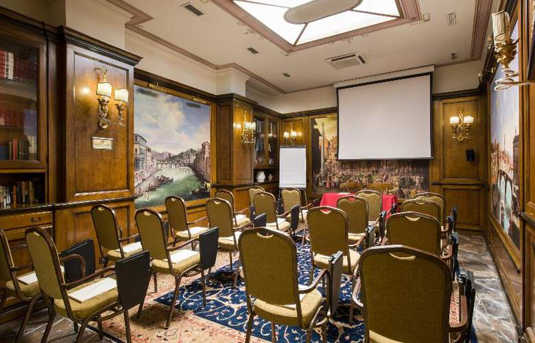 Adler Cavalieri - Conference - 24