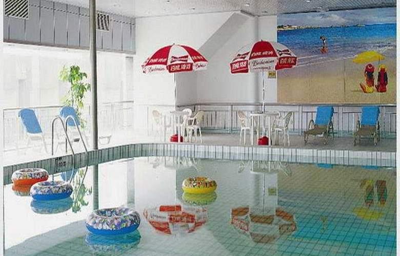Crowne Plaza City Center Ningbo - Pool - 6