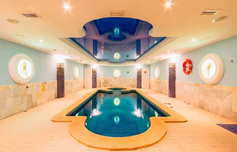 La Pergola Aparthotel - Pool - 59