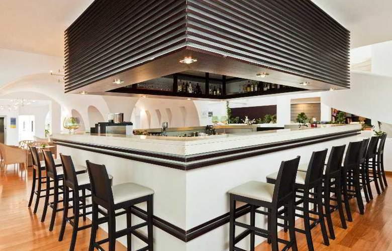 Oceanis Beach & Spa Resort - Bar - 8